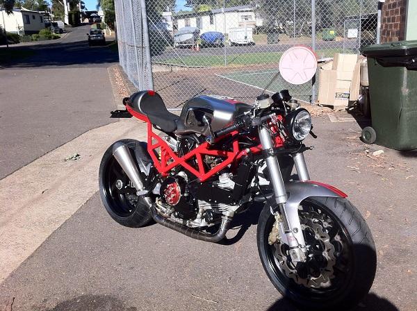 Ducati-ST2-Cafe-Racer-4