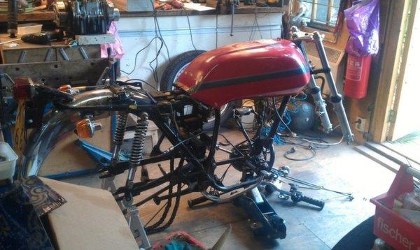 Honda-CB360-Café-Racer-16
