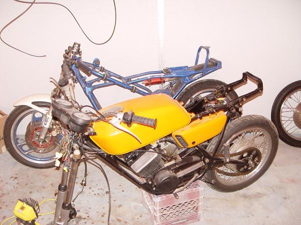 RD350-Cafe-Racer-1