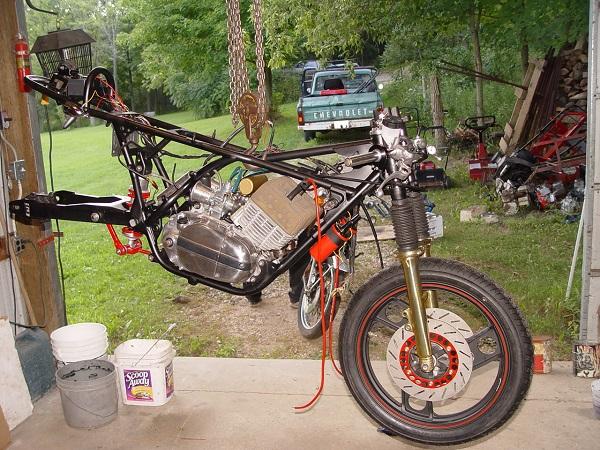 RD350-Cafe-Racer-15