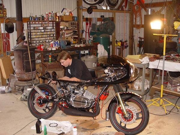 RD350-Cafe-Racer-16