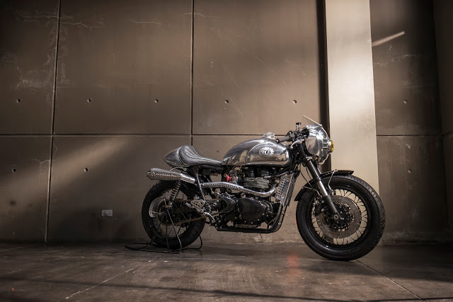 Thruxton Cafe Racer steampunk 10