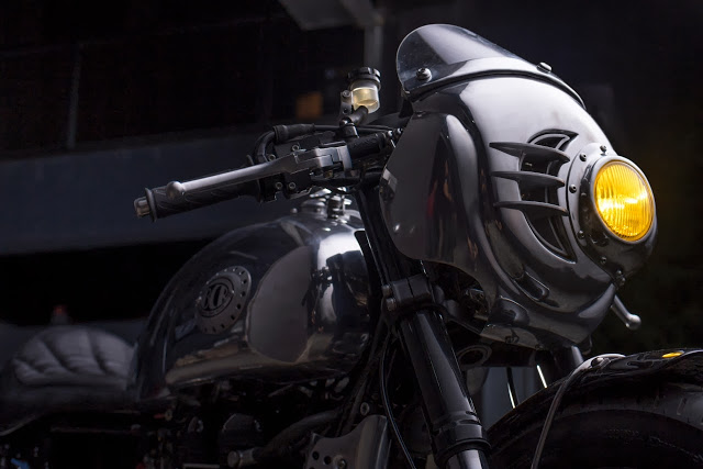 Thruxton Cafe Racer steampunk 3