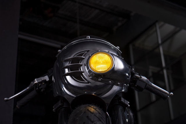 Thruxton Cafe Racer steampunk 4