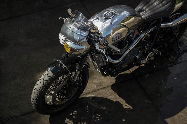 Thruxton Cafe Racer steampunk 5