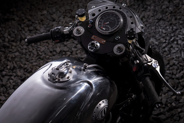 Thruxton Cafe Racer steampunk 7