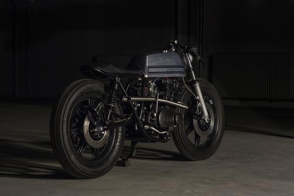 Yamaha XS500 Cafe Racer  1