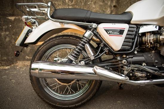 Moto Guzzi V7 Cafe Racer 1